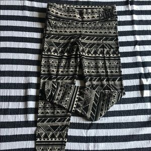 Vs pink aztec leggings